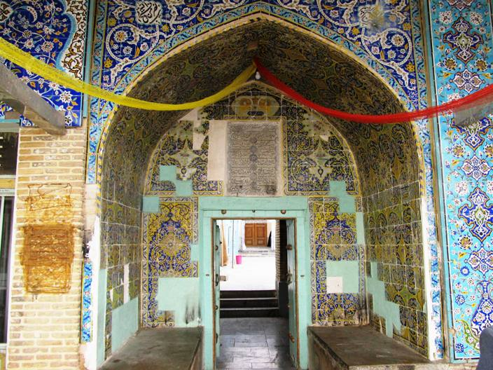 ورودی امامزاده