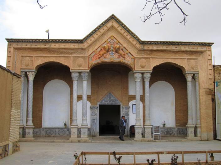 ورودی قلعه
