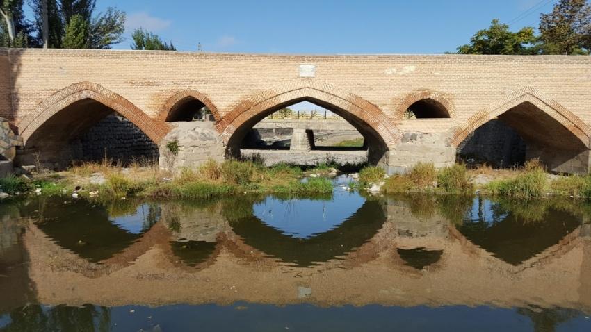 پل سه چشمه