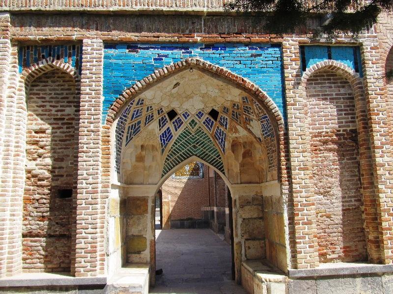 ورودی بقعه شیخ صفی
