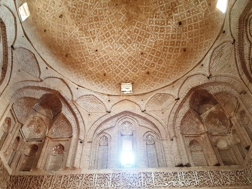 گنبد جامع اردستان